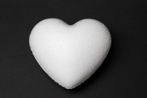 Styropor-Herz, weiß, Vollform, 9 cm