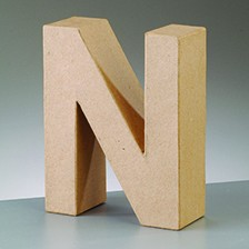 Buchstabe N, 17,5 x 5,5 cm, aus Pappmachè